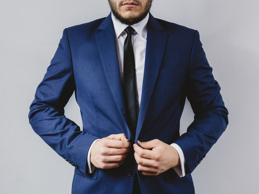 suit 2619784 1280 1024x768 - The 9 Clothing Items Every Professional Should Own.