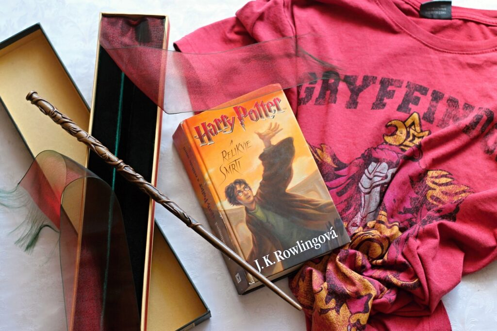 harry potter 3619615 1280 1024x682 - 10 Harry Potter Merchandise You Must Have