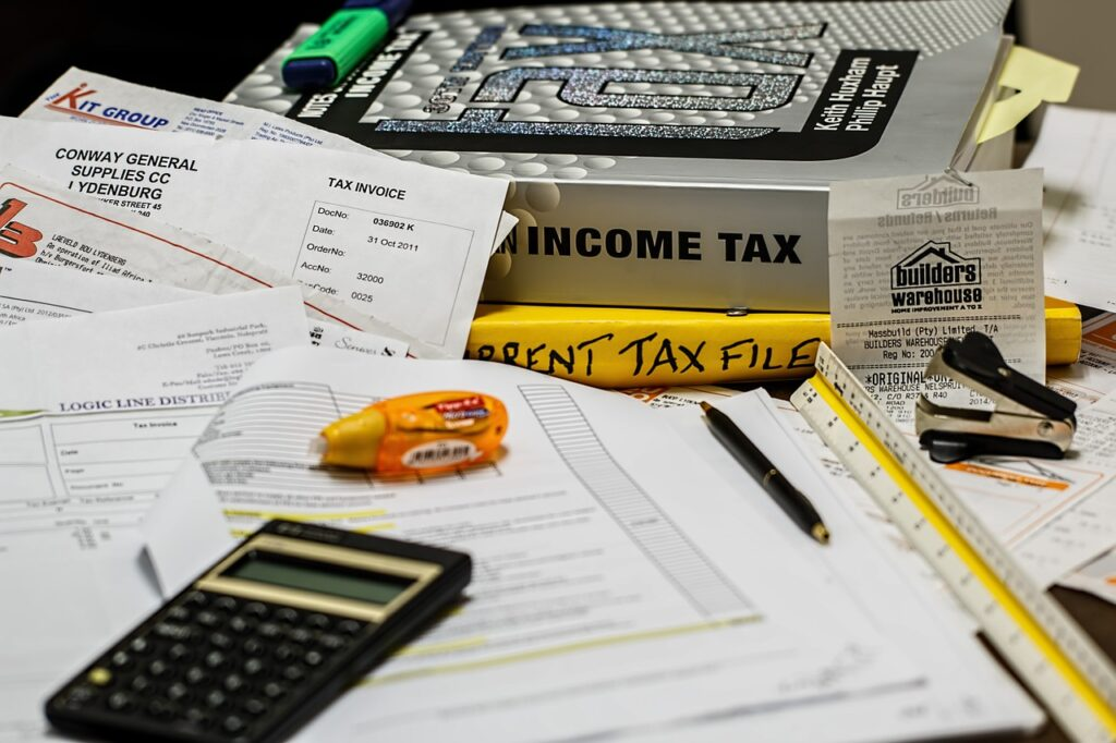 income tax 491626 1280 1024x682 - What Are the Different Types of Accounting?