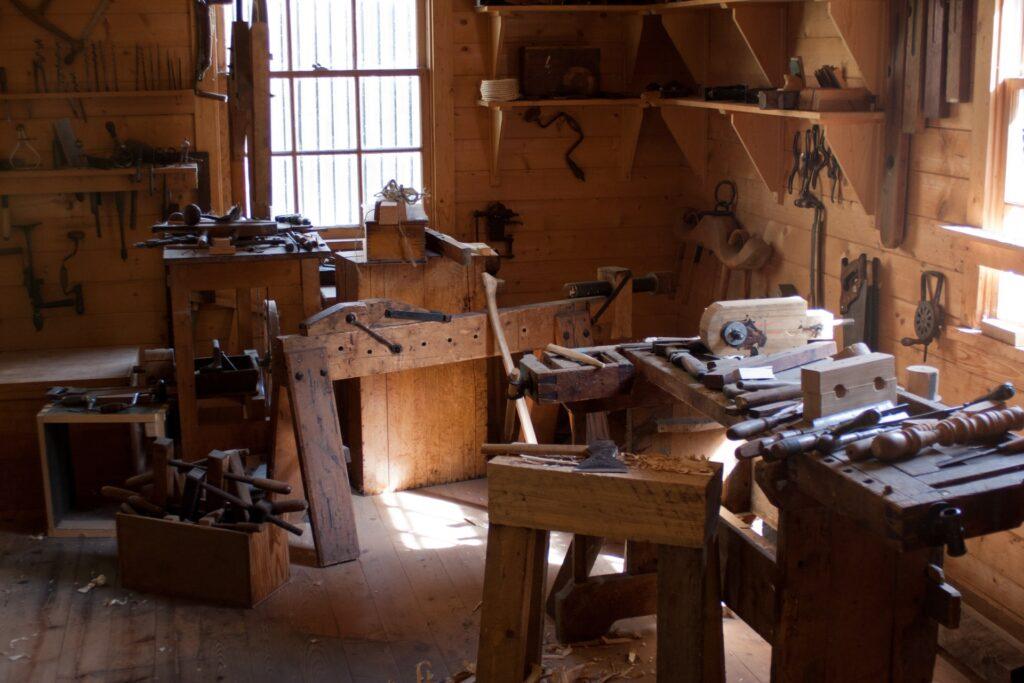 adam patterson v13x0qU4afA unsplash 1024x683 - How to Set Up the Perfect Home Workshop