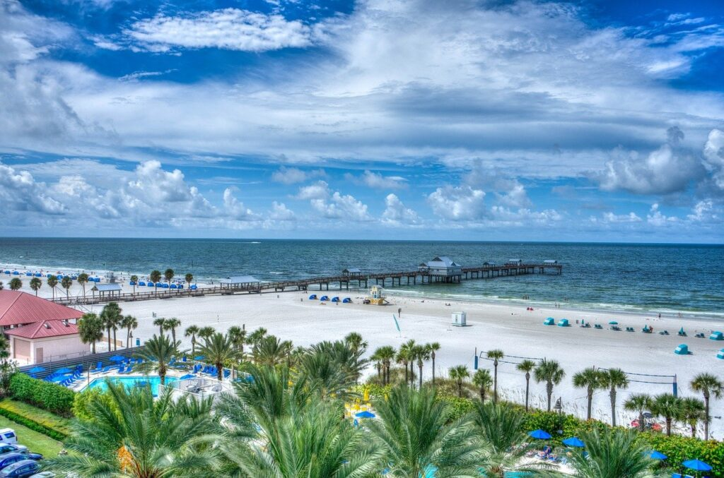 clearwater beach 467984 1280 1024x677 - Lifestyle or A Magnet? A Few Reasons Why People Are Attracted to Florida