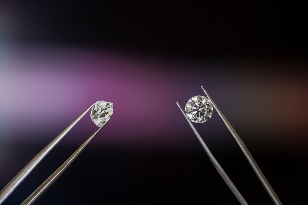 diamond 5411447 1280 1024x682 - Are Diamonds Compatible with New Luxury?