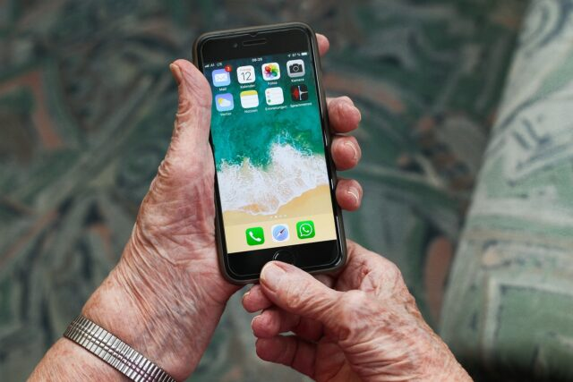 What is the Best Smartphone for Seniors?