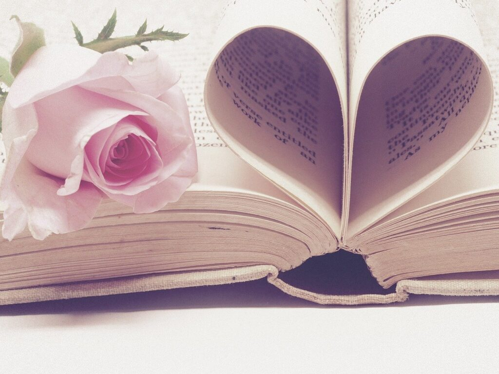 literature 3060241 1280 1024x768 - Five Gift Ideas for the Woman in Your Life