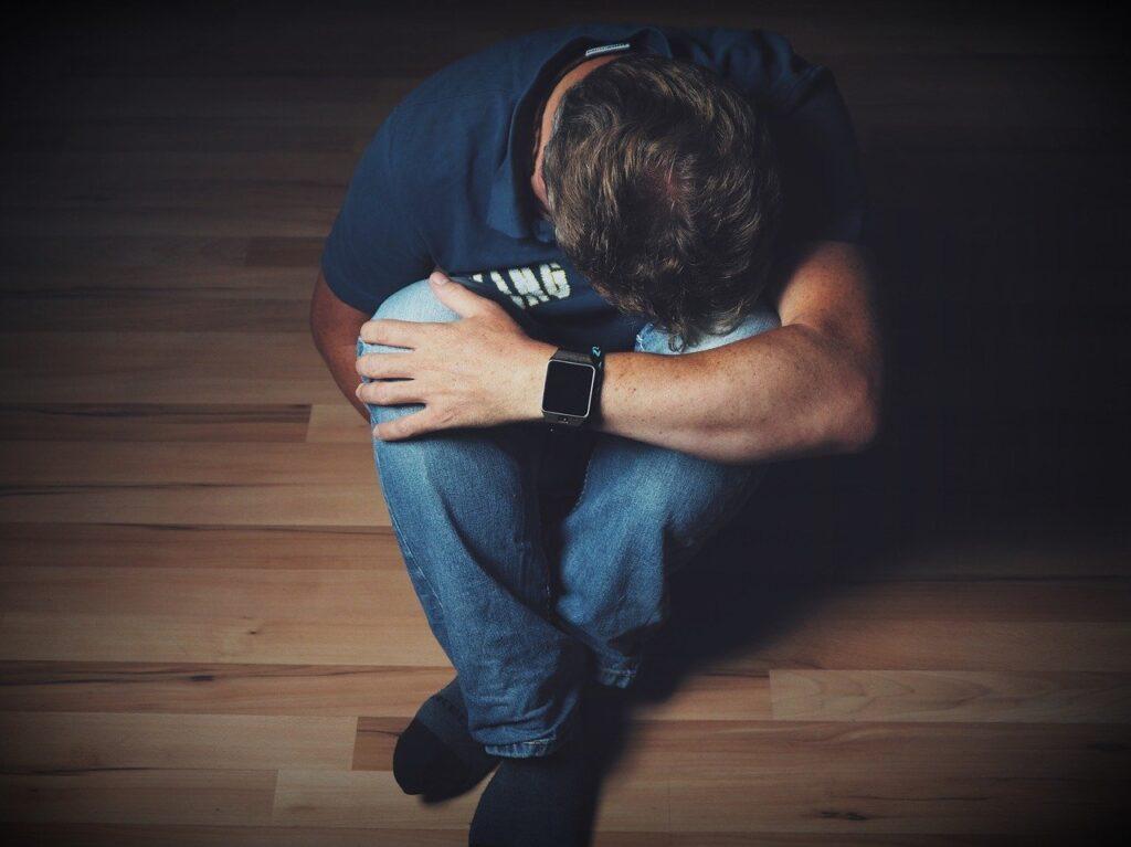 man 2734073 1280 1024x767 - Signs and Symptoms of PTSD