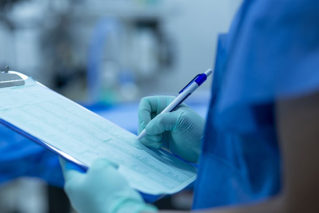 hand 4566536 1280 1024x683 - The Most Common Surgical Mishaps of the 21st Century