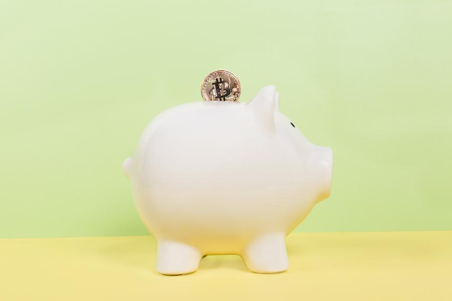 bitcoin and piggy bank - Advantages And Disadvantages of Exchanging Bitcoins for Electroneum