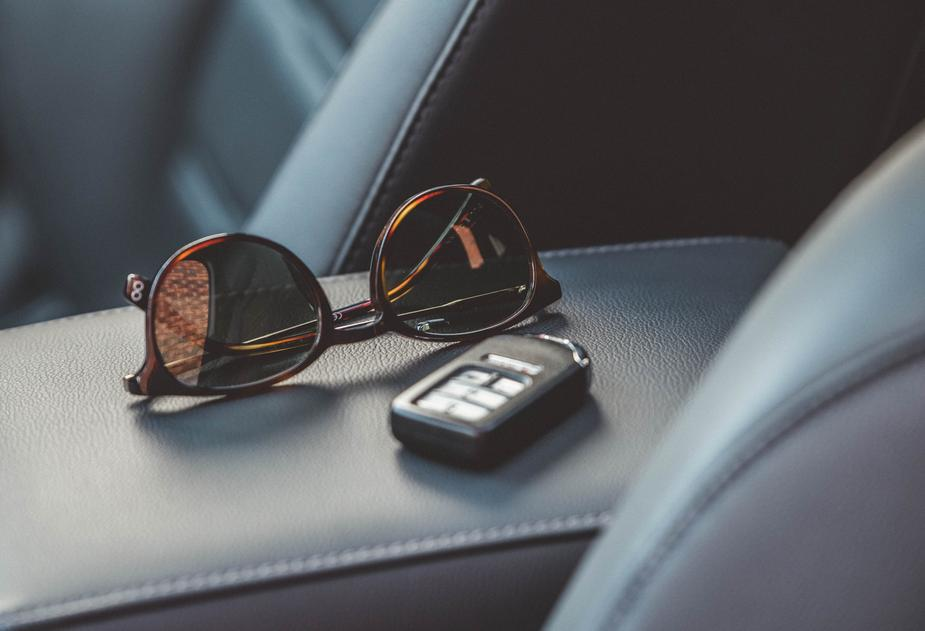 sunglasses car keys - 5 Tips to Improve Your Fashion Style