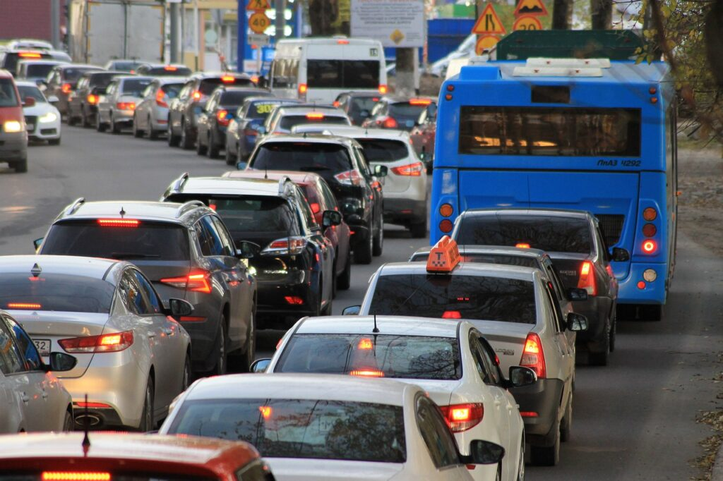 traffic jam 4522805 1280 1024x682 - Benefits of Car-Sharing Phoenix You Might Need to Know