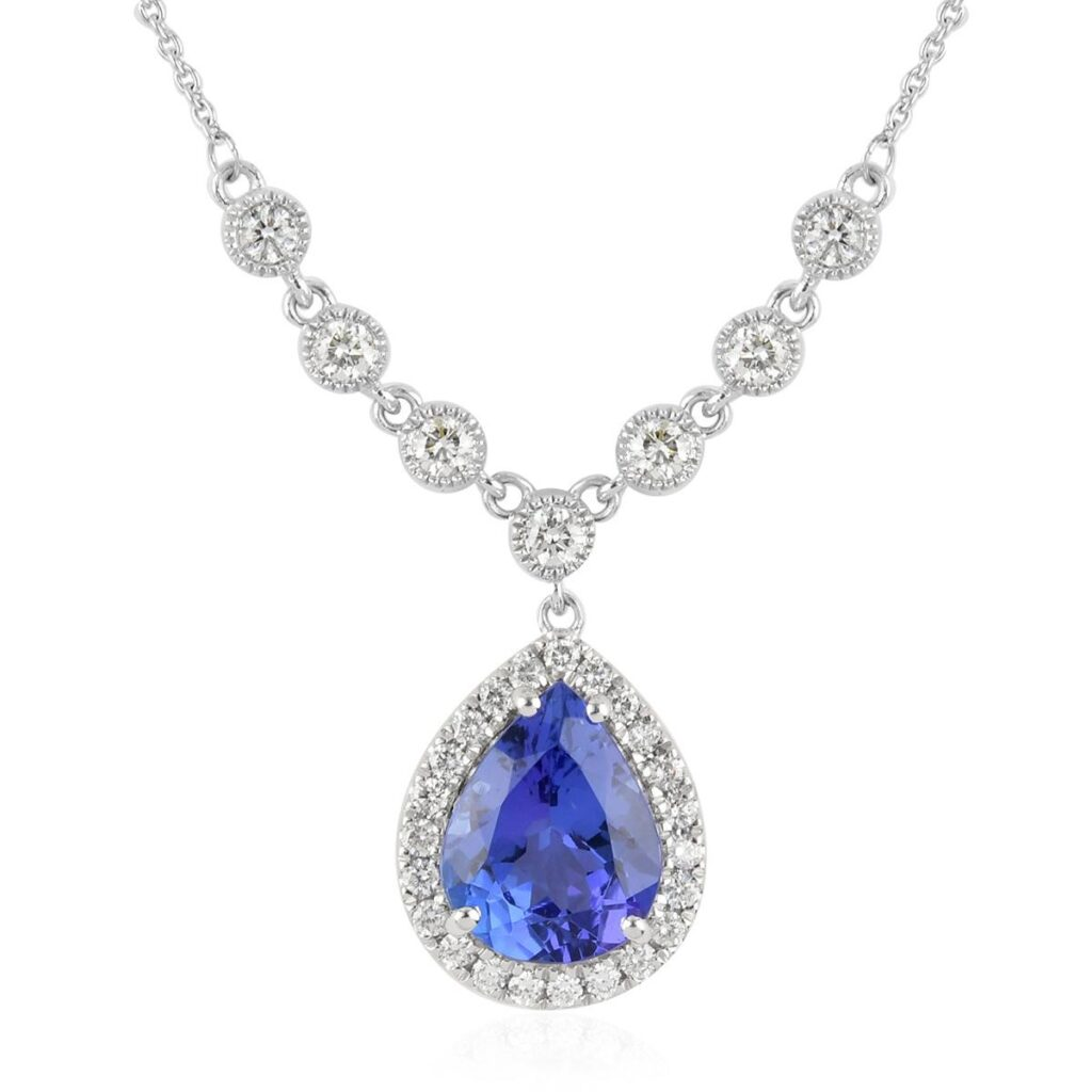 Sparkling Diamond Necklace 1024x1024 - Necklaces to Match with Elegant Dresses for the Perfect 2021 Dinner Date