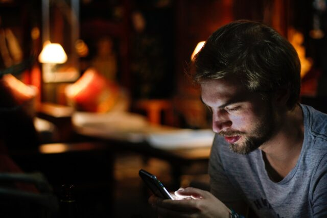 10 Ways Your Phone Can Save You from Boredom