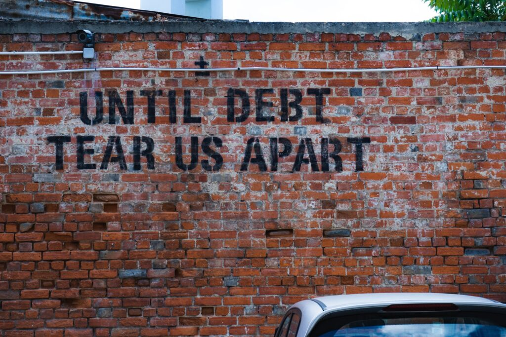 ehud neuhaus Ql3ULtlplsQ unsplash 1024x683 - 10 Methods to Get Your Debtor to Quickly Pay Off Their Debt