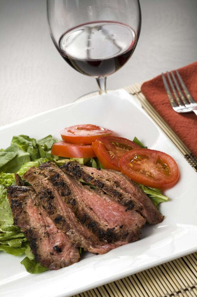 food 3164067 1280 682x1024 - The best wine to pair with 5 signature dishes