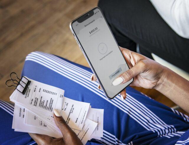 Telltale Signs of Debt Addiction