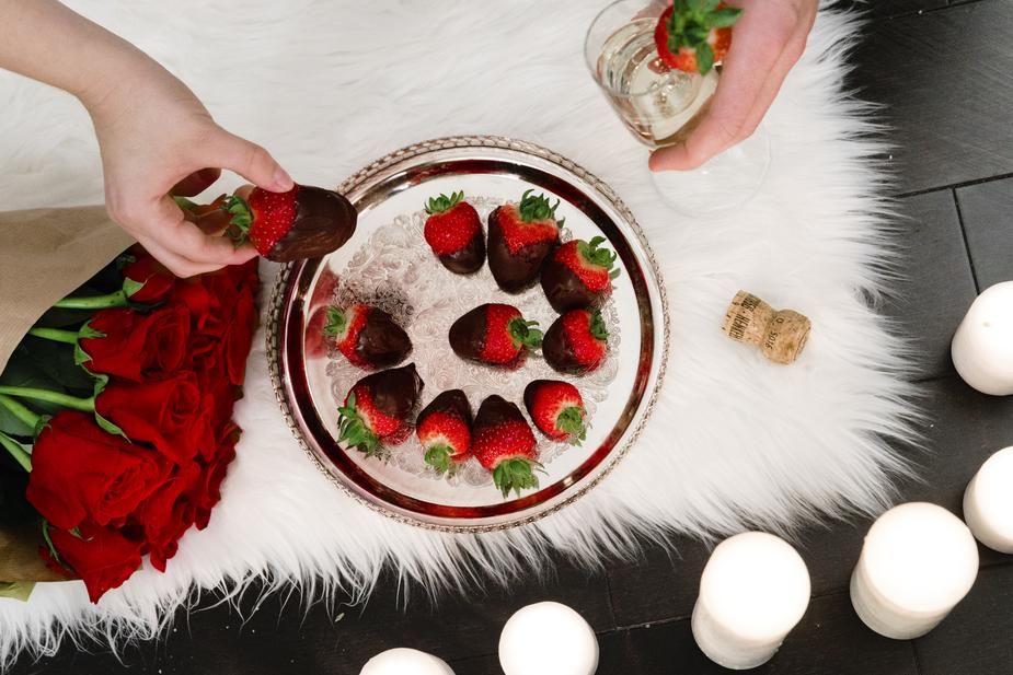 romantic food and drink - Creative Cheap Ideas for Celebrating Valentine's Day on a Budget