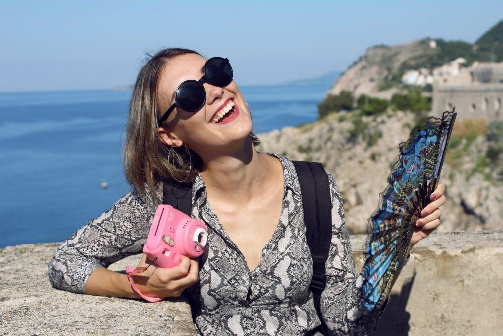 denis tuksar XOwZ38bB39Q unsplash 1024x683 - Financial Freedom: 3 Simple Ways to Make Money While Traveling the Country