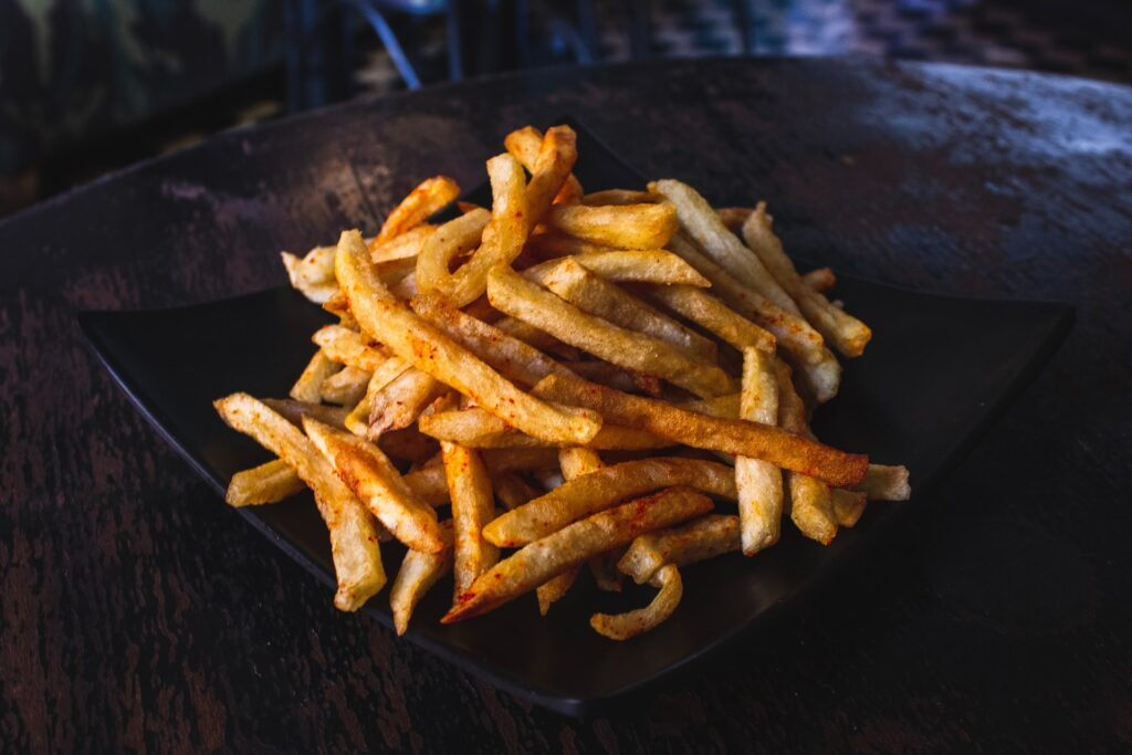 louis hansel restaurant photographer vi0kZuoe0 8 unsplash 1024x683 - Things to Look for in an Air Fryer