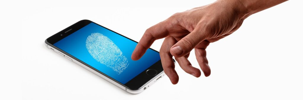 smartphone 4562985 1280 1024x340 - Easy Authorization of Clients: An Affordable Way to Prevent Risks