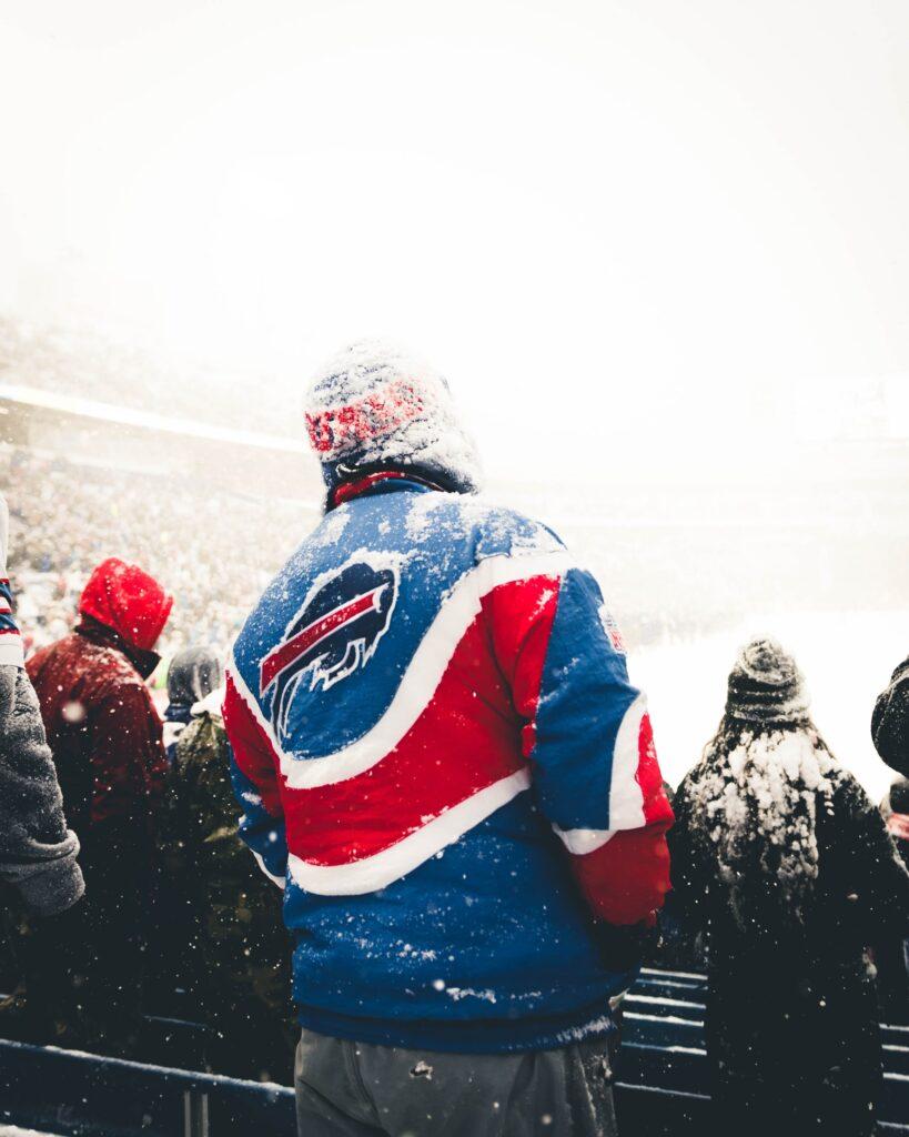 teryll kerrdouglas MXuZLdGVKxA unsplash 819x1024 - 3 Teams To Consider As Top Picks In The Upcoming NFL Season
