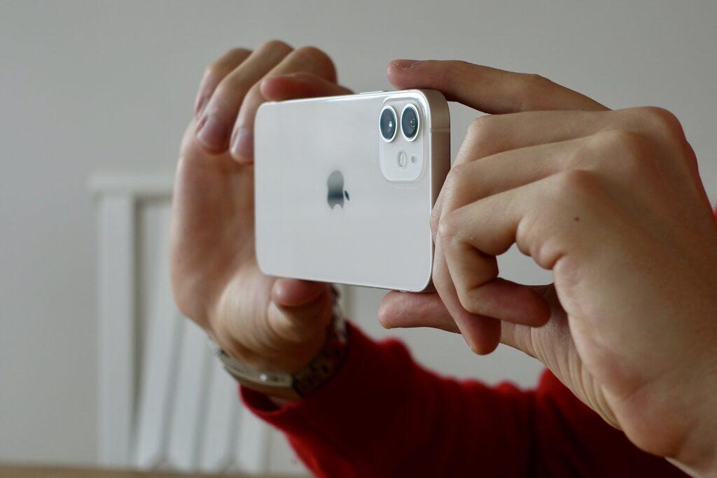 iphone 12 5755366 1920 1024x683 - Top Best-Selling Smartphones in 2021