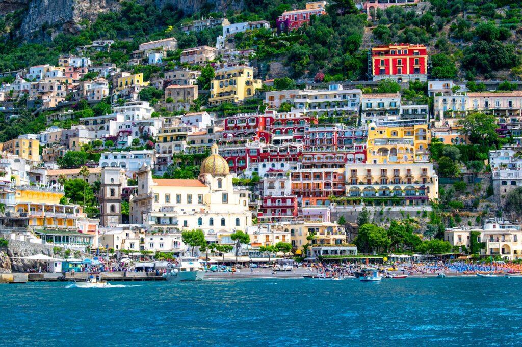 positano 1615510 1280 1024x682 - International Hot Spots for Instagram Worthy Travel