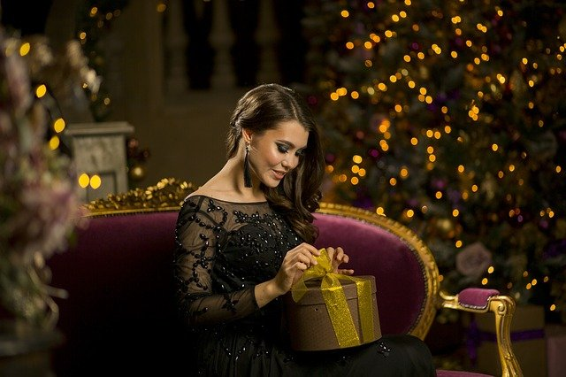 3 ways to surprise your girlfriend at Christmas