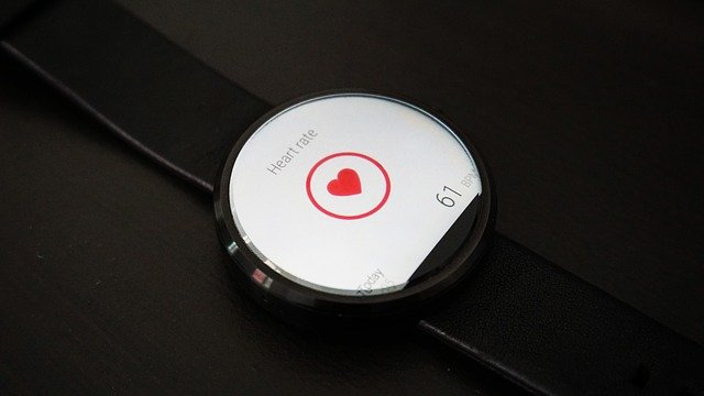 heart rate 1842062 640 - Why Should You Get a Health Watch?