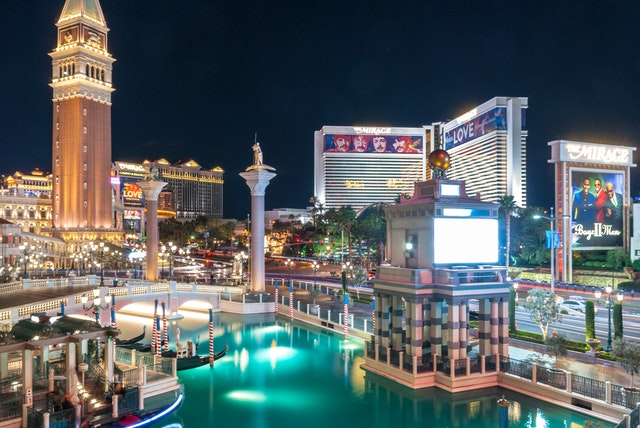 5 Essential Tips for First Time Visitors to Las Vegas